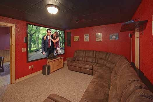 Theater Room at A Finders Keepers - A FINDERS KEEPERS - Pigeon Forge - rentals