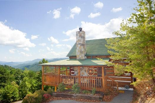 Exterior Front View at Sweet Serenity - SWEET SERENITY - Pigeon Forge - rentals