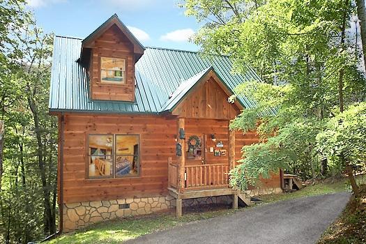 The Front Exterior 2 Lovin' Bears - 2 LOVIN' BEARS - Gatlinburg - rentals