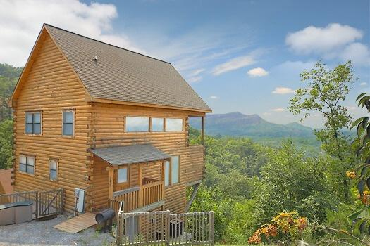 Front Exterior View at Stars And Stripes - STARS AND STRIPES - Pigeon Forge - rentals