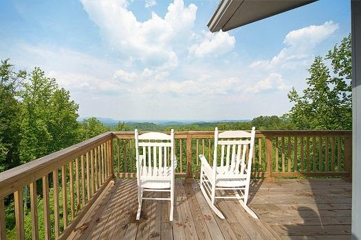Deck at Astonishing Views - ASTONISHING VIEWS - Gatlinburg - rentals