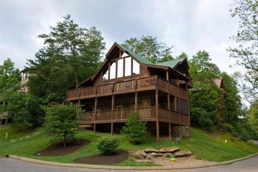 Exterior View at Mountain Music - MOUNTAIN MUSIC - Pigeon Forge - rentals