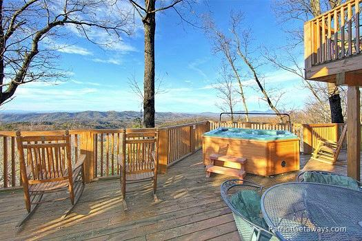 Deck at Eagles View Lodge - EAGLES VIEW LODGE - Gatlinburg - rentals