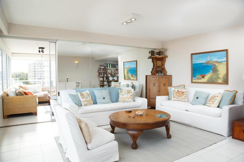 Tasteful 3 Bedroom Apartment in La Punta - Image 1 - Punta del Este - rentals