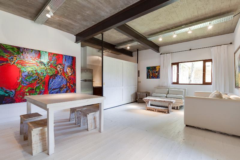Colorful 3 Bedroom House in Manantiales - Image 1 - Punta del Este - rentals