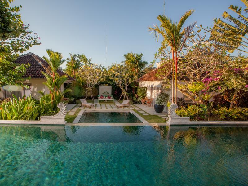 Beautiful Villa Senang in Bali - Image 1 - Kerobokan - rentals