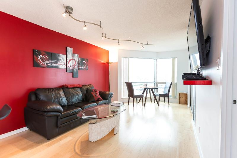 Living Room - New Waterfront View City Condo - Toronto - rentals