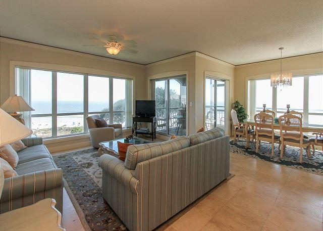 Living Area - 3507 Windsor Court South-Oceanfront 5th Floor - Hilton Head - rentals