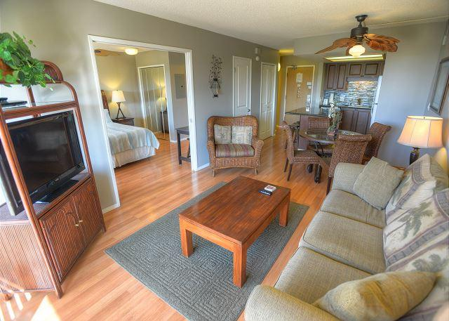Fully Renovated Condo with Ocean and Mountain Views - Image 1 - Kihei - rentals