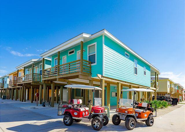 Welcome to Wet-N-Wild! - BRAND NEW LISTING: Wet-N-Wild, 4bed/3.5 bath, FREE GOLF CARTS, Ice Machine - Port Aransas - rentals