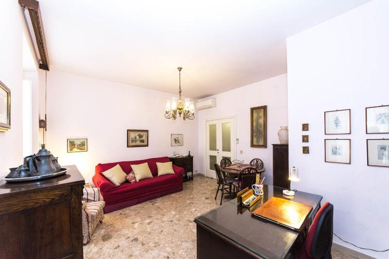 Casa Vaticano Uno, few steps from the history - Image 1 - Rome - rentals