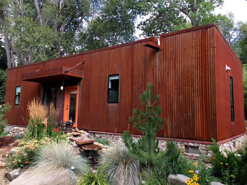 Taos Rio Eco house with weathering steel and stone- welcoming pond with waterfall - Taos Rio Eco House on the Taos de Fernando River - Taos - rentals