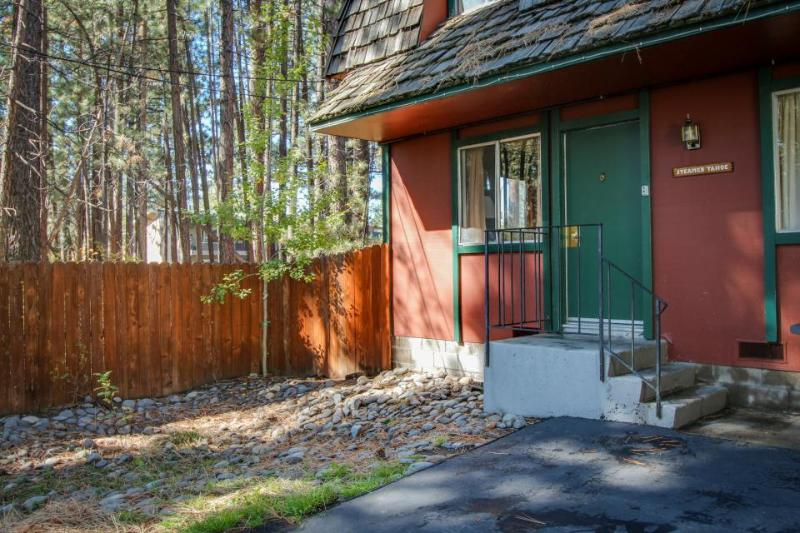 Cozy dog-friendly ground-floor rental w/shared hot tub, fenced grounds - Image 1 - South Lake Tahoe - rentals