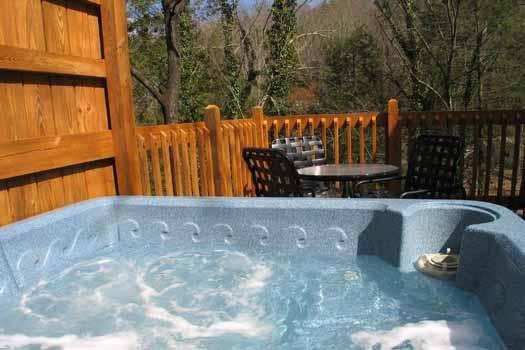 Hot Tub at Cuddle Inn - CUDDLE INN - Gatlinburg - rentals