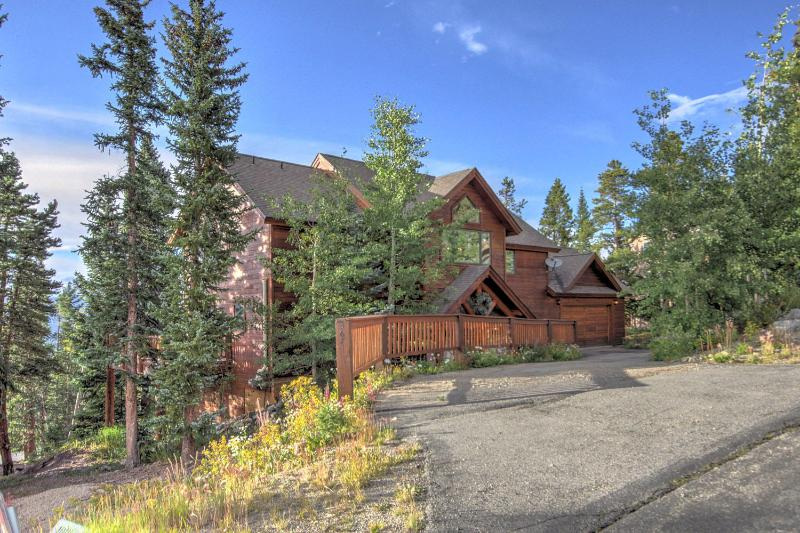ENDLESS PEAKS -- Luxury, Views & Mountain Charm! - Image 1 - Breckenridge - rentals