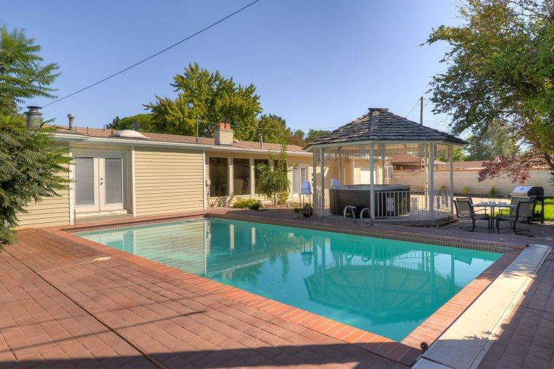 Grand Peaks Pool House., Large Pet Friendly Salt Lake Rental Home for Families - Image 1 - Salt Lake City - rentals