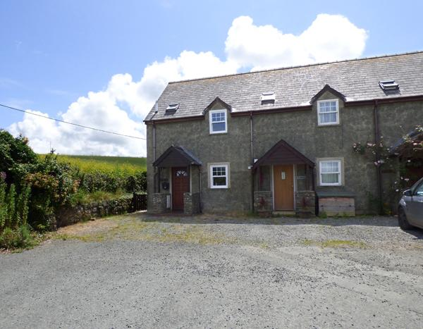 Child Friendly Holiday Cottage - Bluebell Cottage, Broad Haven - Image 1 - Broad Haven - rentals