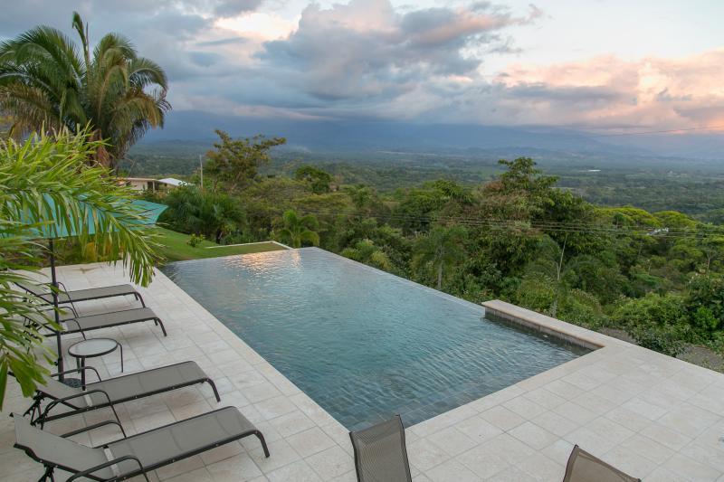 New Romantic Casita - Casa Anaka - Image 1 - Manuel Antonio National Park - rentals