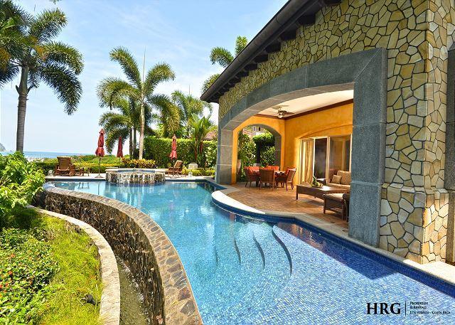 Swmming pool and patio - Exotic Paradise - Villa Marina - Herradura - rentals