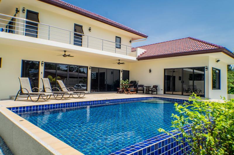 Beautiful 3 BR Pool Villa - Sleeps 6/8 - 5 mins from Rawai & Nai Harn beaches - Image 1 - Rawai - rentals