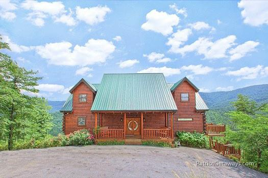 Front Exterior View at Majestic Views - MAJESTIC VIEWS - Pigeon Forge - rentals