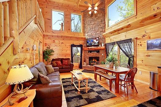 Living Room at Bearly Makin' It - BEARLY MAKIN' IT - Gatlinburg - rentals