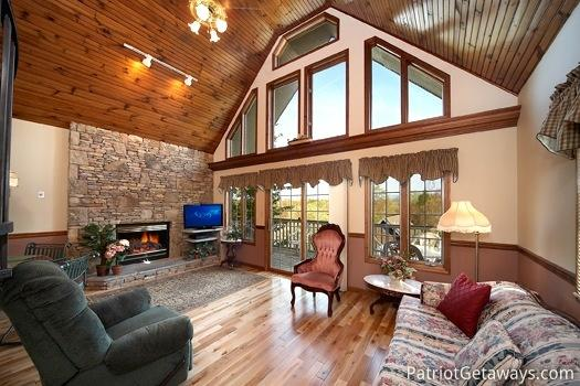 Living Room at Ain't Misbehaven - AIN'T MISBEHAVEN - Pigeon Forge - rentals