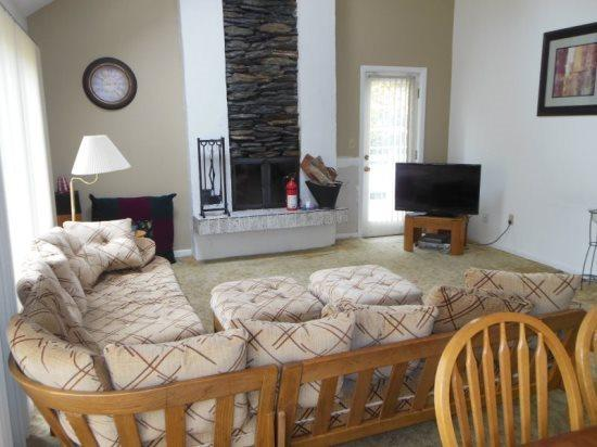 Moose Lodge - Living Room - Moose Lodge (SN3) - Killington - rentals