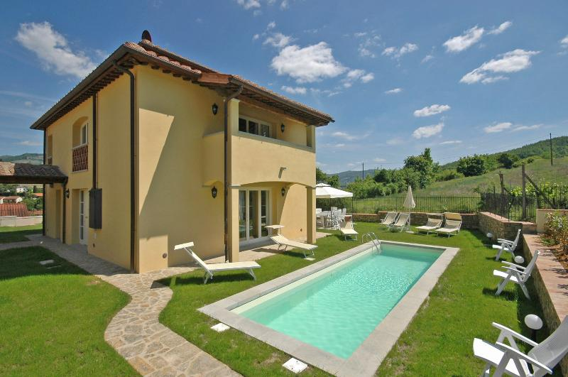 Tuscany Villa within Walking Distance to Greve - Casa Lilla - Image 1 - Greve in Chianti - rentals