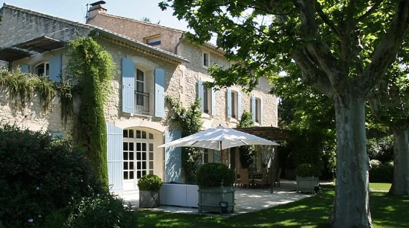 Two Large farmhouses within walking distance of St. Remy - Le Mas de Lavande - Image 1 - Saint-Remy-de-Provence - rentals