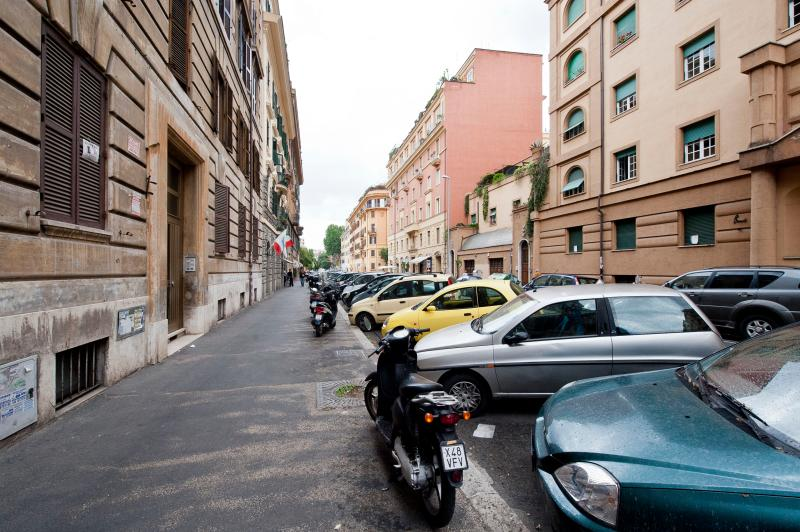 Apartment in Rome near Vatican City - Tullio 7 - Image 1 - Roma - rentals