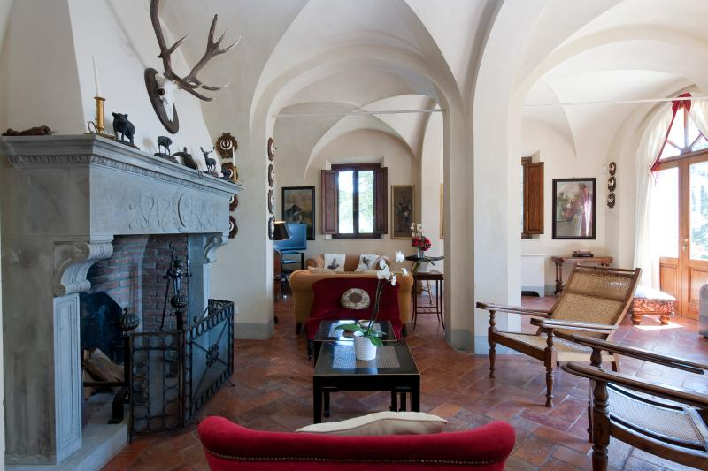 Private Villa on a Castle Estate near Certaldo - Villa Grandiosa - Image 1 - Castelfiorentino - rentals