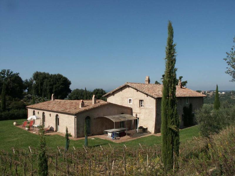Elegant Tuscan Country Villa with Rich Landscape - Villa Palio - Image 1 - Montalcino - rentals