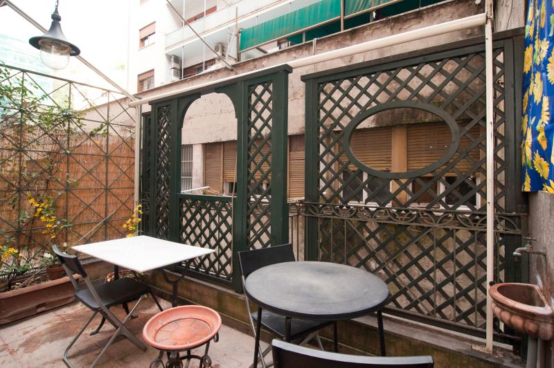 Apartment with Terrace in Heart of Rome - Vittorio - Image 1 - Roma - rentals