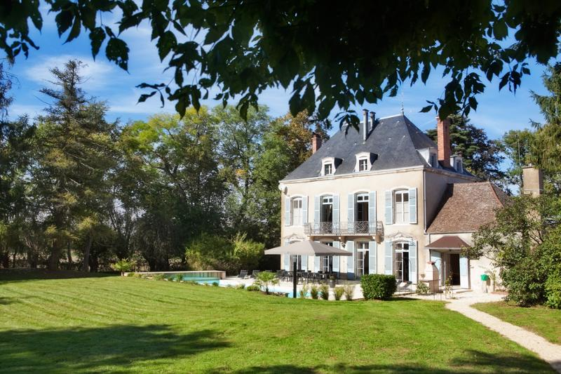 Historic Burgundy Chateau with En suite Bathrooms and Private Heated Pool - Image 1 - Chatenoy-en-Bresse - rentals