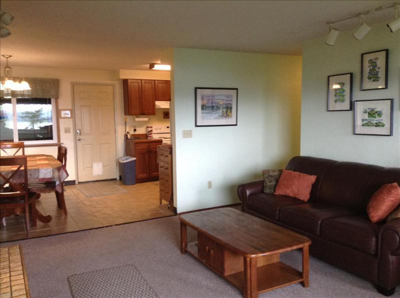 Comfortable living for family gathering with wide-screen TV - Alder House Upper - Sitka - rentals