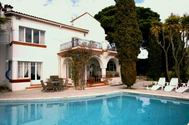 Villa in Cannes with a Private Pool  - Villa Croix des Gardes - Image 1 - Cannes - rentals
