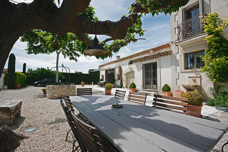 Family-Friendly Provence Villa with Pool - Mas Alpilles - Image 1 - Eygalieres - rentals