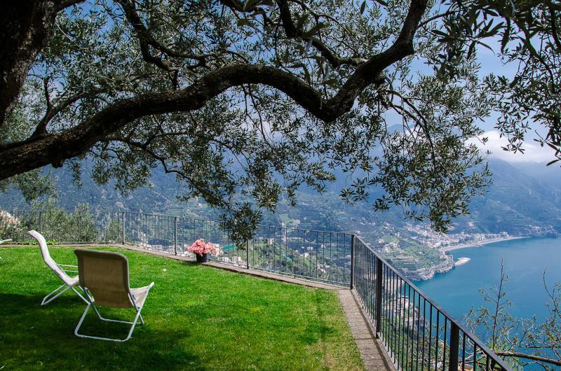 Villa in Ravello with Panoramic Views   - Villa Iris - Image 1 - Ravello - rentals