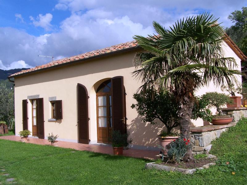 Private Italian Cottage Located Near Historical Cortona - Benessere Cottage - Image 1 - Cortona - rentals