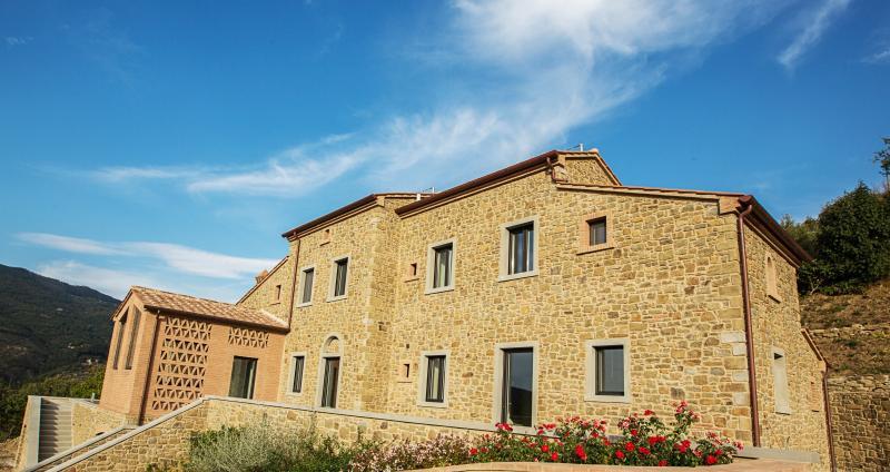 Private Italian Luxury Villa Near Historic Cortona - Villa Benessere - Image 1 - Cortona - rentals