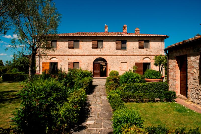 Historic Tuscan Villa with Cottage with Private Pool and Tennis Court - Villa Duca and Cottage - Image 1 - Monteroni d'Arbia - rentals