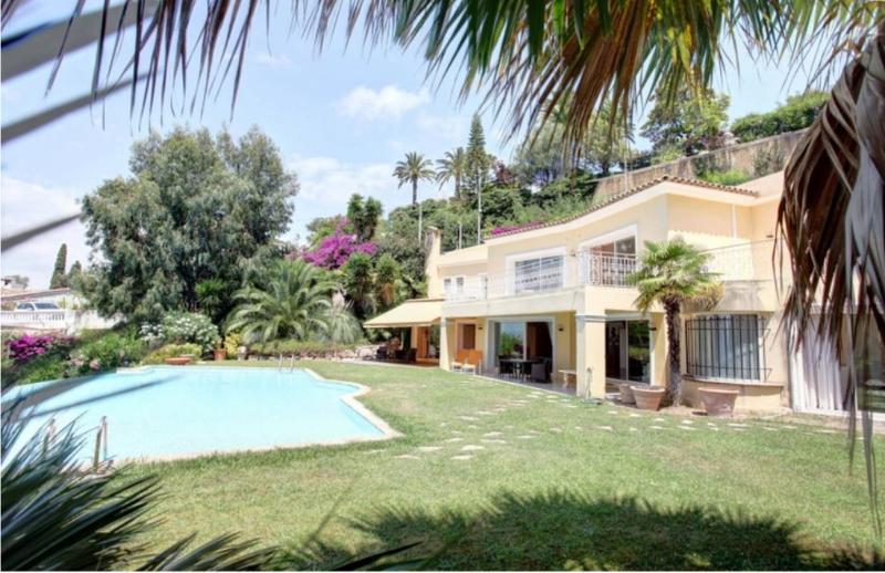 Cannes Villa with Pool Near Palais des Festivals - Villa d'Or - Image 1 - Cannes - rentals