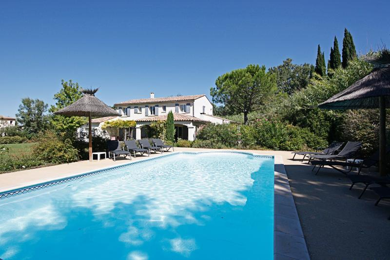 Family-friendly Villa with Pool in Saint-Remy-de-Provence  - Villa Adelaide - Image 1 - Saint-Remy-de-Provence - rentals