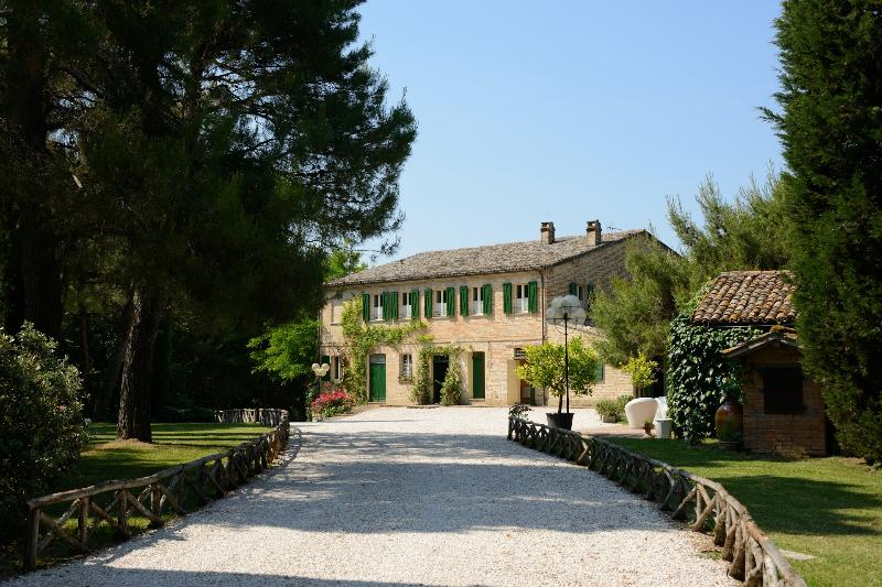 Historic Marche Villa with Pool and Chapel - Villa Aria - Image 1 - Montemaggiore al Metauro - rentals