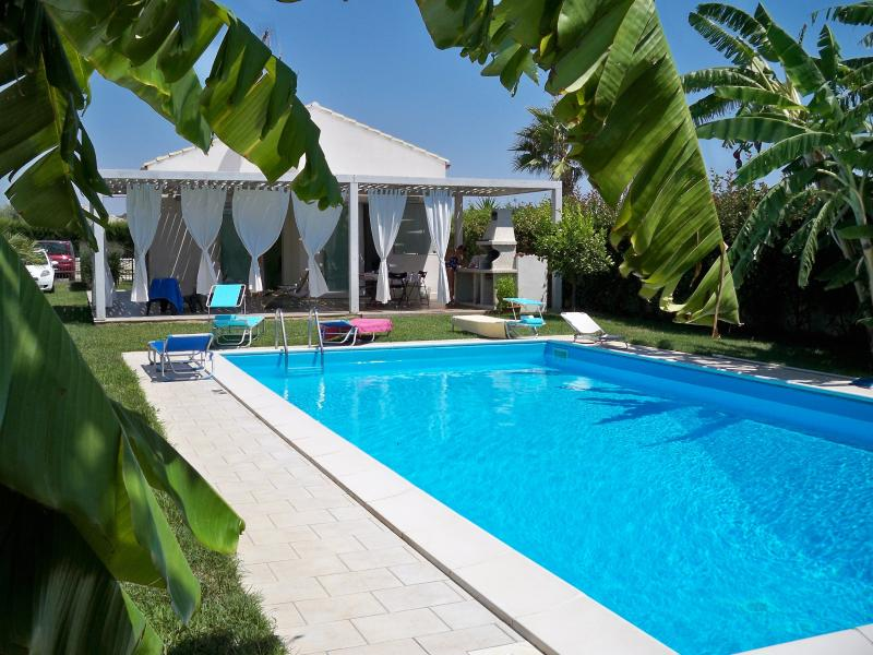 Family-Friendly Villa with Pool in Sicily Near Beach - Villa Filomena - Image 1 - Marina di Ragusa - rentals