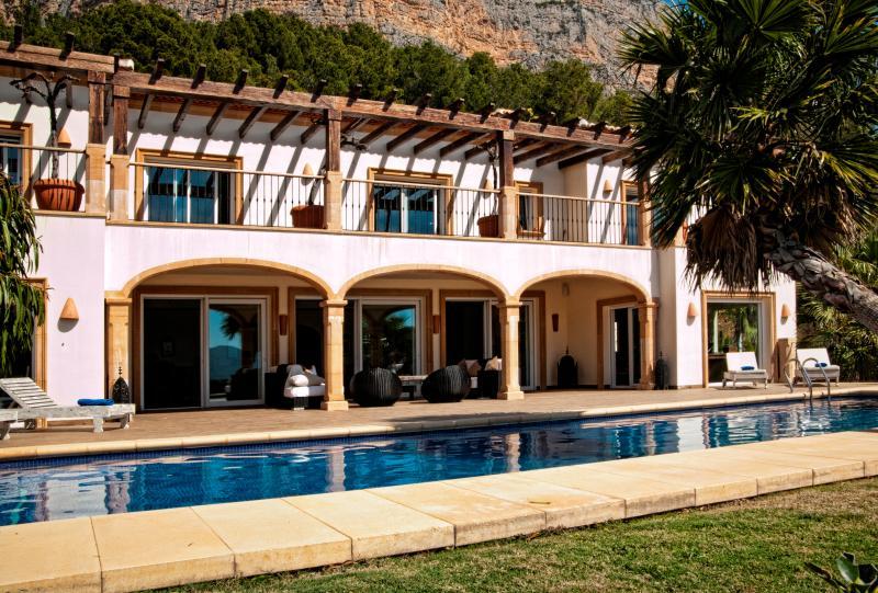 Villa on the Costa Blanca in Spain - Villa Blanca - Image 1 - Javea - rentals