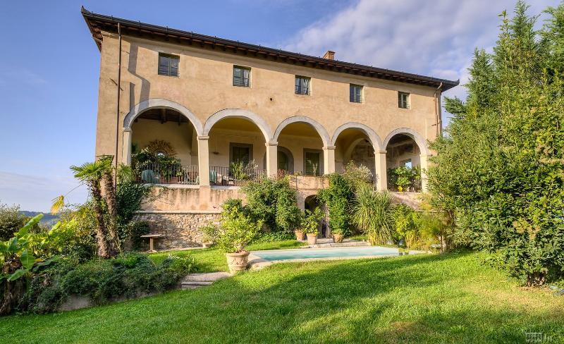 Historic Villa Near Lucca with Private Pool and Magnificent Views  - Villa Guinigi - 12 - Image 1 - Mastiano - rentals