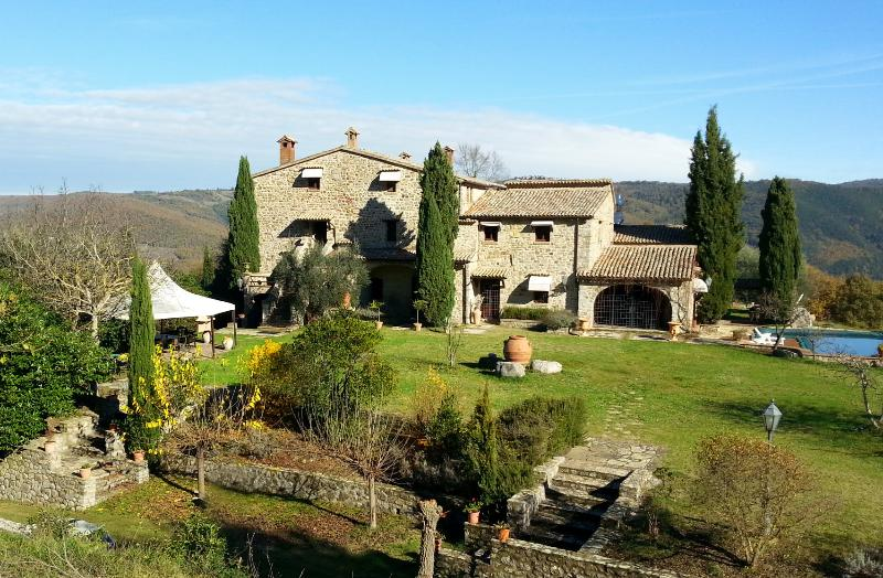 Historic Villa with Pool and Cottage in Umbria - Fortezza Umbra - Image 1 - Ficulle - rentals