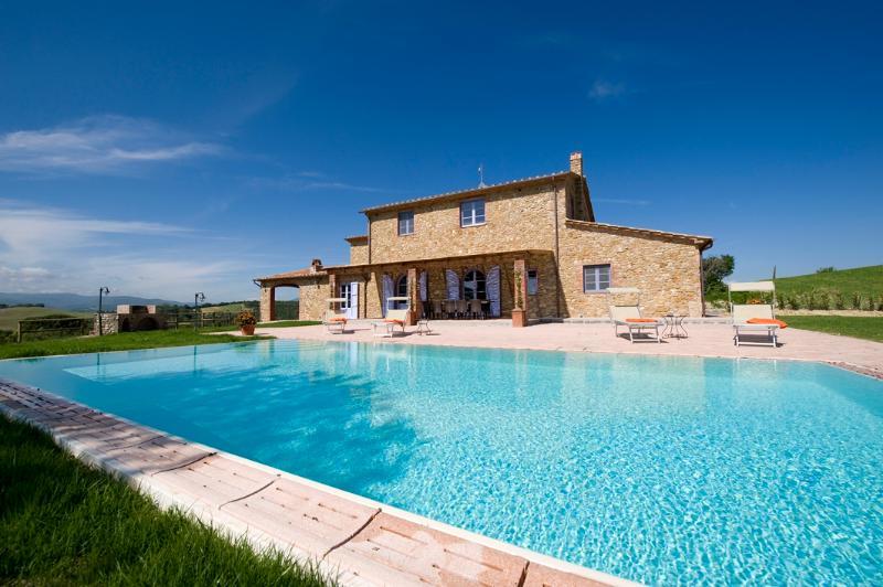 Beautiful Farmhouse with Expansive Views in Coastal Southern Tuscany  - Villa Licia - Image 1 - Cecina - rentals